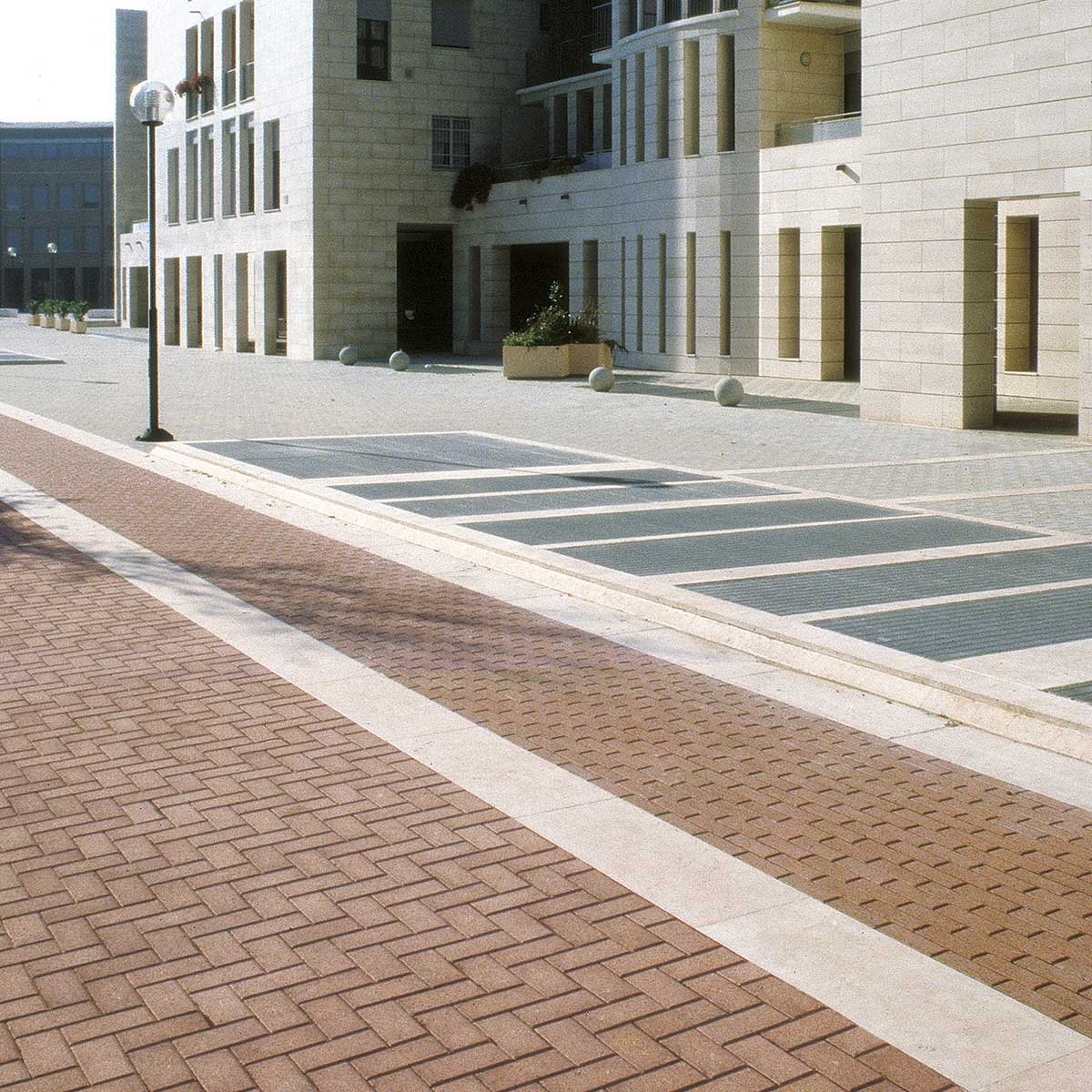 Pd 8 mattoncino mattonelle drenanti favaro lineaverde for Linea verde favaro